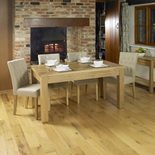 Mobel Extending Oak Dining Table Seats 4-8