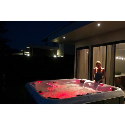 Elegance Repose Spa 6 Person Luxury Jacuzzi Spa KikBuild Spas Bournemouth